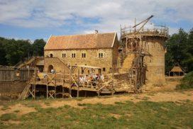 Chateau de guedelon-chambres d'hotes-hébergements insolitess